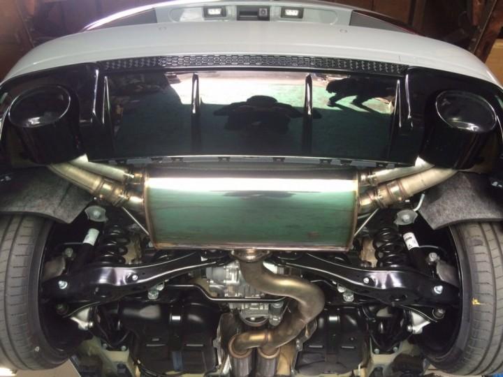 RS3 マフラー1